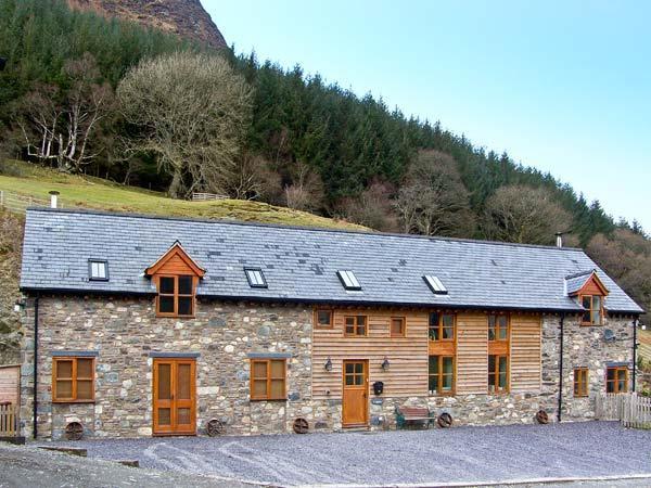 Y Sgubor, Powys