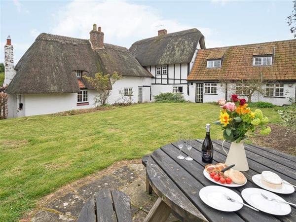 Yew Tree Cottage in Buckinghamshire