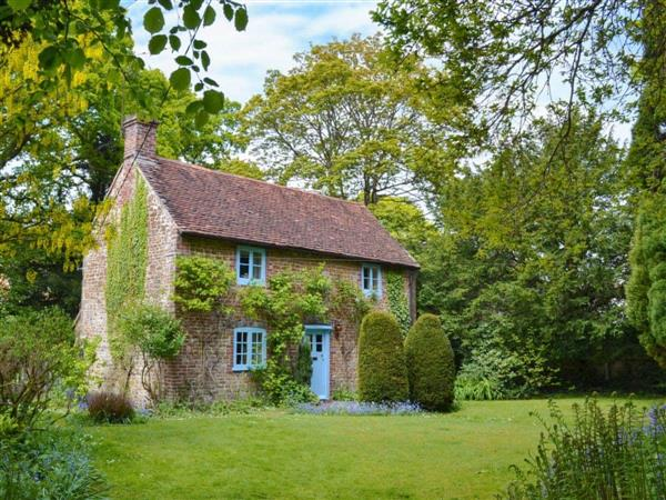Yew Tree Cottage in Hampshire